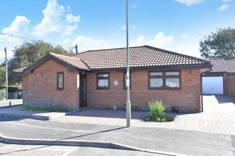 3 bedroom detached bungalow for sale - Floriston Gardens, Ashley, New Milton