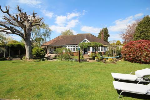 2 bedroom detached bungalow for sale - Clara Cottage, Burford Close, Offington, Worthing BN14 9RL