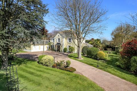 5 bedroom detached house for sale - The Oaks, The Willowhayne, Rustington, West Sussex, BN16