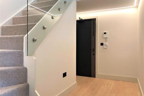 3 bedroom apartment to rent - Apartment  Delamer Lodge,  Cavendish Road, Bowdon, Altrincham