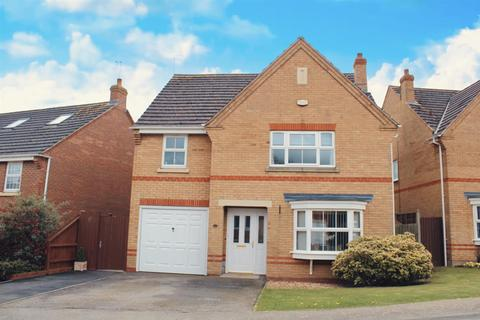 4 bedroom detached house for sale - Spartan Close, Wootton, Northampton
