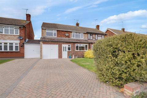4 bedroom semi-detached house for sale - Chatsworth Drive, Sittingbourne