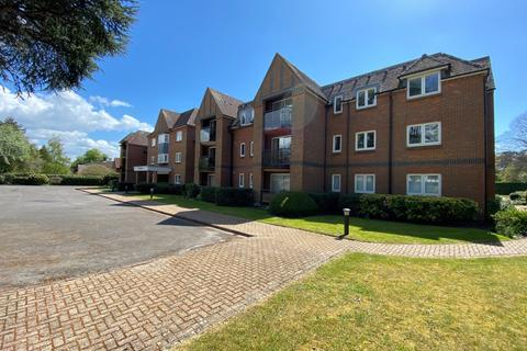 3 bedroom apartment to rent - The Avenue Chichester PO19