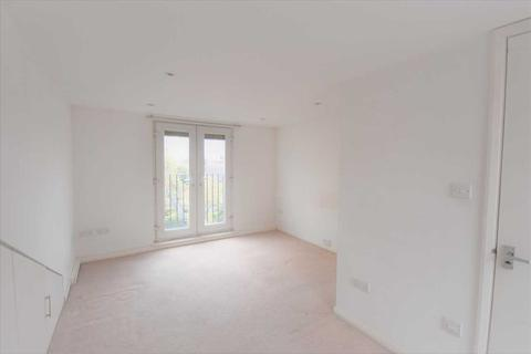 1 bedroom in a house share to rent - Fishers Lane En Suite Room, Chiswick