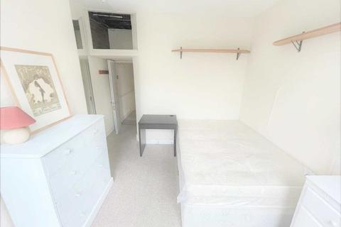 1 bedroom in a house share to rent - Bollo Lane, Chiswick