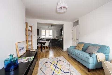 3 bedroom flat to rent - Manor Road Stoke Newington N16