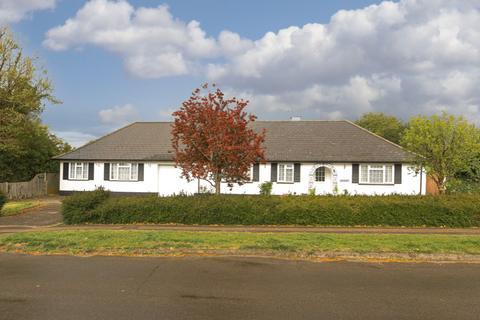 5 bedroom bungalow for sale - Ashtead