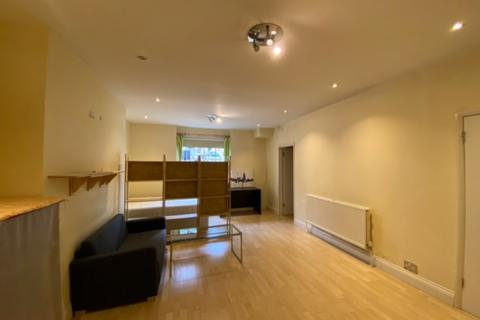 Studio to rent - Bassett Road, Ladbroke Grove, London, W10