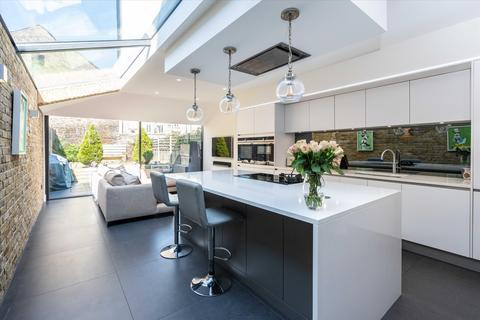 4 bedroom terraced house for sale - Landcroft Road, East Dulwich, London, SE22