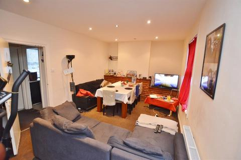 2 bedroom flat for sale - First Avenue, Manor Park, London, E12 6AN
