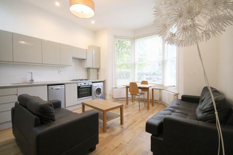 3 bedroom flat to rent - Hartham Road, Islington, N7
