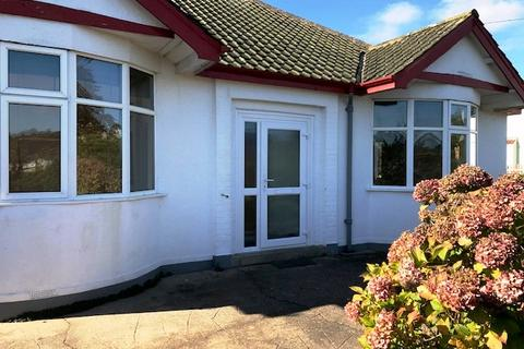 3 bedroom detached bungalow to rent - Barton Hill Road, Torquay TQ2