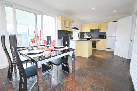 4 bedroom detached house to rent - Noel Road, Acton W3