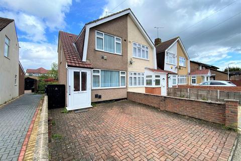 2 bedroom end of terrace house for sale - Windsor Park Road, Harlington, Middlesex, UB3 5HZ