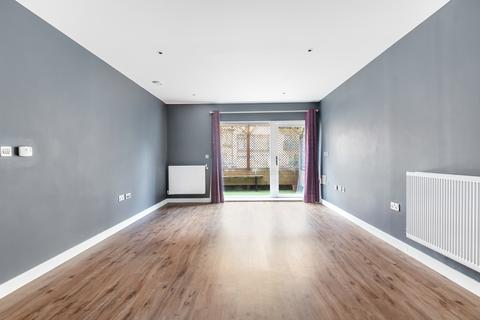 2 bedroom flat to rent - Rolfe Terrace Trinity Walk SE18