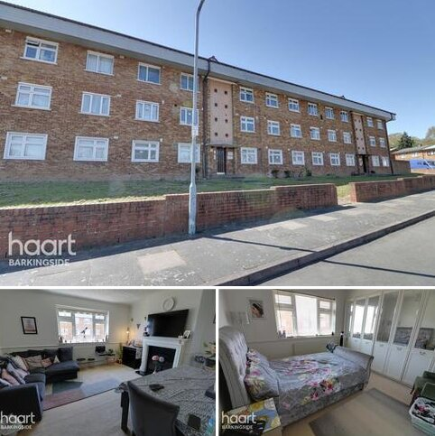 2 bedroom flat for sale - Knights Way, Hainault