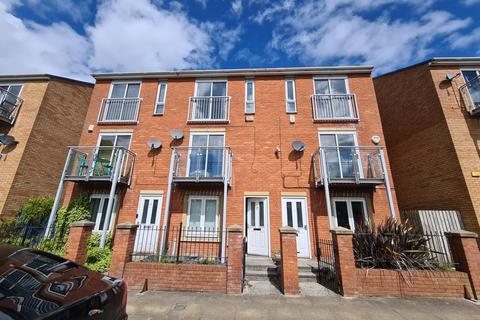 4 bedroom townhouse to rent - St. Wilfrids Street, Hulme, Manchester. M15 5XE