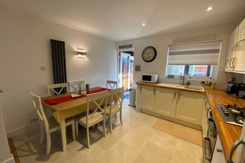 3 bedroom end of terrace house for sale - Taverner Close, Poole, BH15