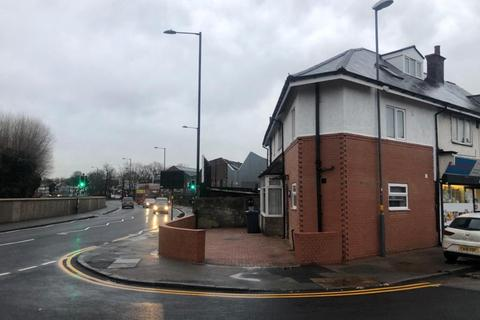 Studio to rent - Deykin Avenue, Witton