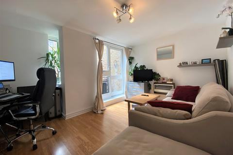 1 bedroom apartment to rent - St. Katharines Way, London, E1W