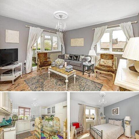 2 bedroom flat for sale - Glen Albyn Road, Southfields