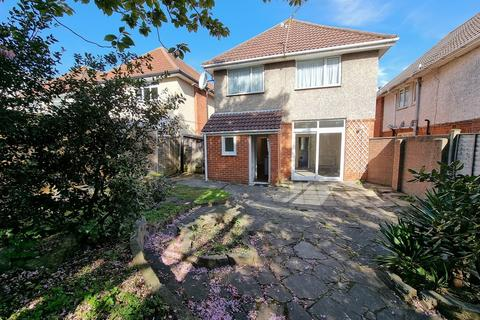 3 bedroom detached house to rent - Beaufort Road, Bournemouth