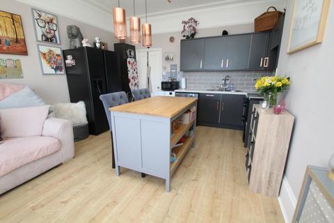 1 bedroom flat for sale - South Terrace, Littlehampton