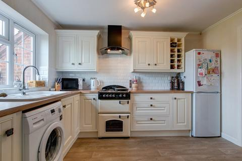 2 bedroom terraced house for sale - Needle Close, Studley B80 7SB