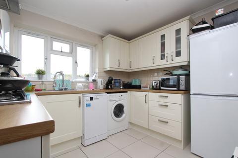 3 bedroom flat to rent - Albert Close, Alexandra Park