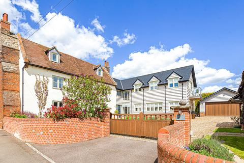 5 bedroom detached house for sale - Priory Road, Campton, SG17