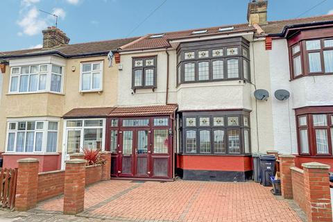 5 bedroom terraced house for sale - St Andrews Road, ILFORD, IG1