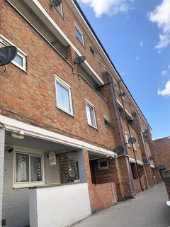 4 bedroom maisonette to rent - Bow Common Lane, Bow, London, E3 4AU
