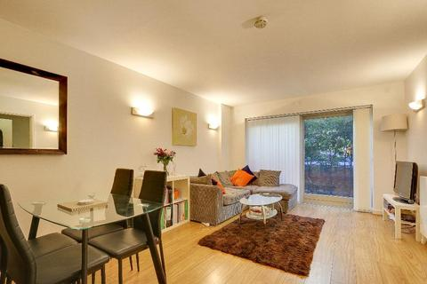 2 bedroom flat to rent - Metcalfe Court, Teal Street, North Greenwich, London, SE10 0BX