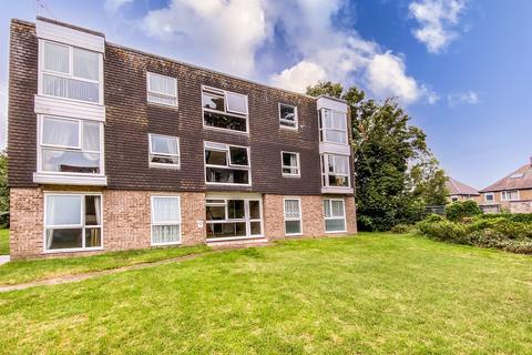 2 bedroom apartment to rent - Dell Court, Oulton Broad