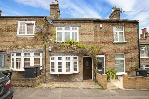 2 bedroom terraced house for sale - Gladstone Road, Buckhurst Hill, IG9