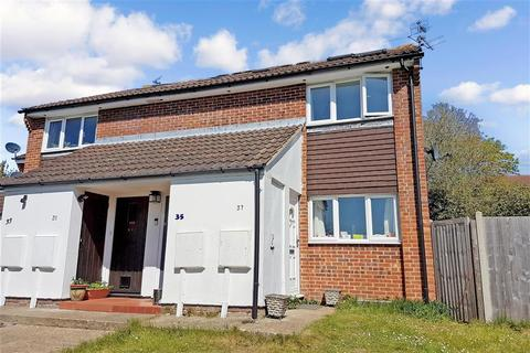 2 bedroom maisonette for sale - Tudor Walk, Leatherhead, Surrey