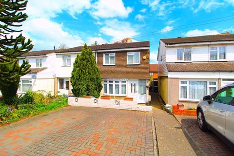3 bedroom semi-detached house for sale - Hockwell Ring, Luton