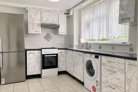 3 bedroom apartment to rent - Commerce Road, Wood Green, London N22