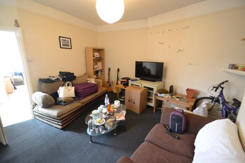 2 bedroom flat to rent - Broadway, Cardiff,