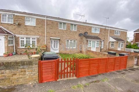 2 bedroom terraced house for sale - Fairways, Waltham Abbey, Essex, EN9