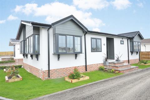 2 bedroom park home for sale - Tollerton Lane, Tollerton, Nottingham