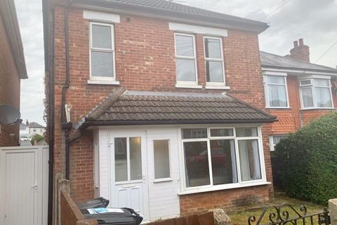 4 bedroom house to rent - STUDENT FOUR DOUBLE BEDROOMS, WINTON