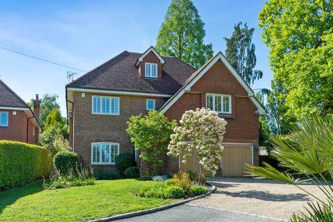 6 bedroom detached house for sale - Oxshott, Surrey
