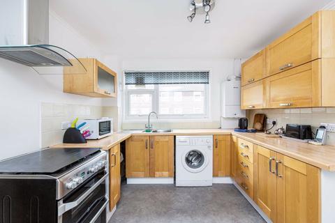 3 bedroom flat to rent - Moyser Road, Furzedown