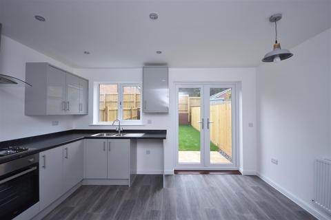 2 bedroom semi-detached house to rent - Smiths Drive, Pentrechwyth, Swansea