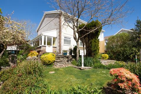 3 bedroom semi-detached house for sale - Brynmead Close, Sketty, Swansea