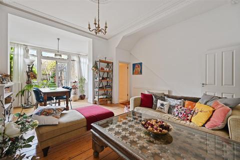 3 bedroom flat for sale - Blythe Road, London, W14