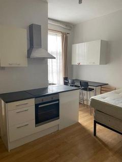 Studio to rent - Norwich Road, Forest Gate