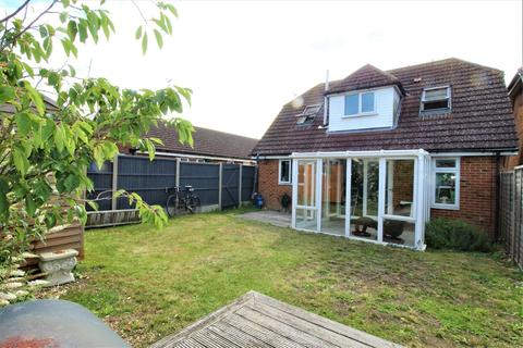 3 bedroom house for sale - Church Road, Eastchurch, Sheerness