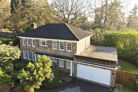 4 bedroom detached house for sale - Old Farmhouse Drive, Oxshott, Surrey, KT22